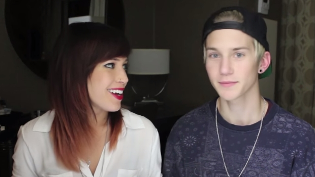2 GAYS, 1 HOTEL ROOM, HEADS UP - Ellosteph
